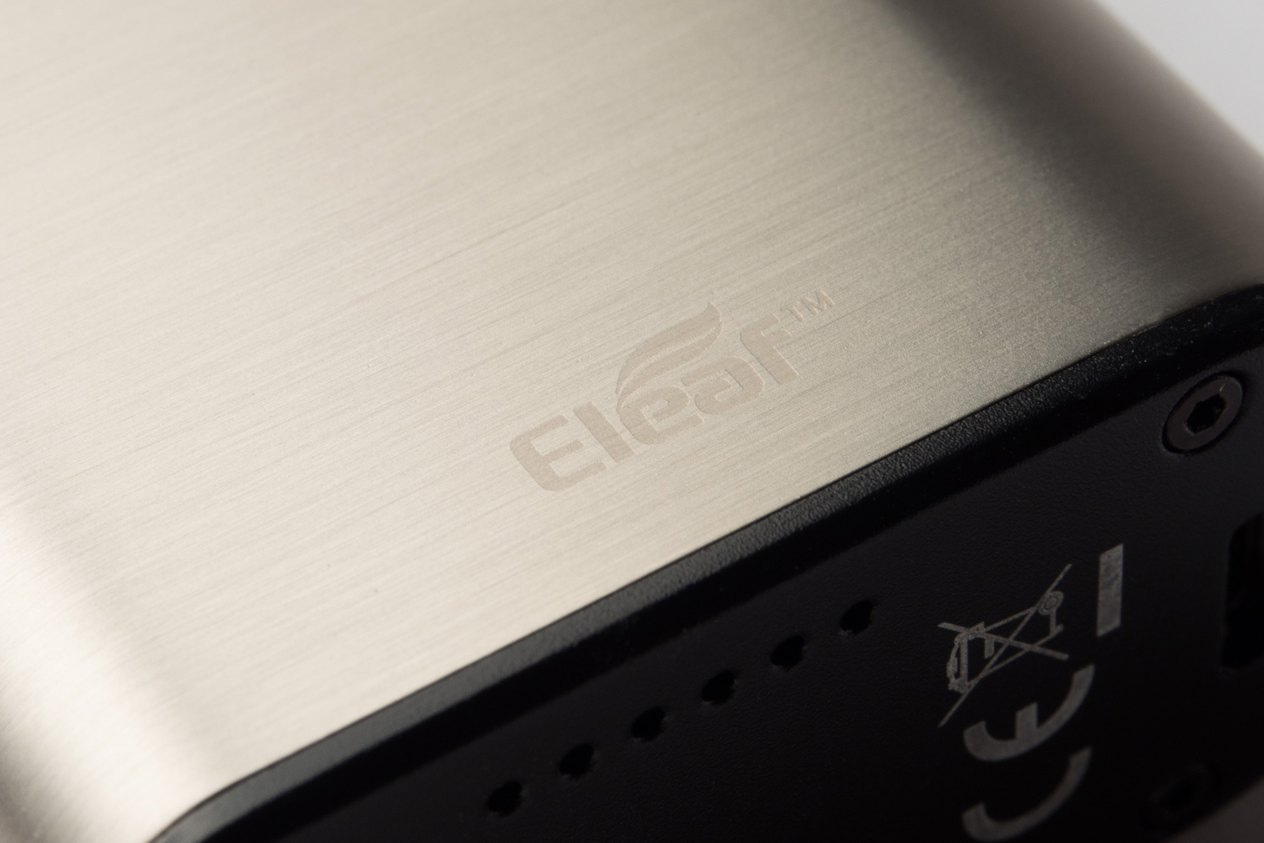 【テクニカルMOD】iStick QC 200W 「アイスティック・キューシー」 (Eleaf/イーリーフ)レビュー