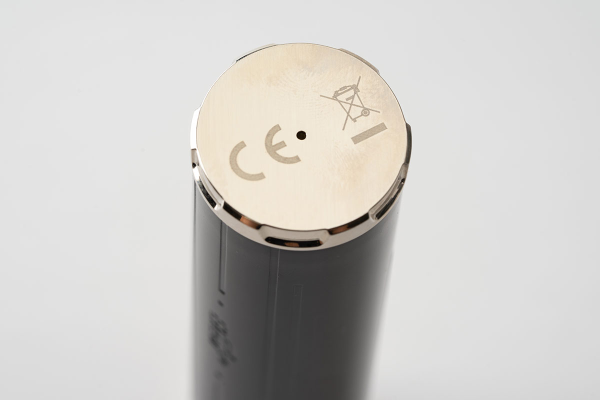 Eleaf iJust21700のバッテリーベントホール