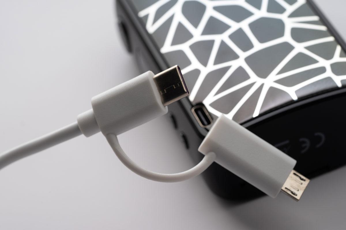 Eleaf iStick MIXの充電端子USB-C