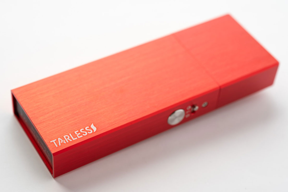 ターレスプラスの『限定生産』新色・ブラッシュレッド|人気デバイスにヘアライン仕上げの赤色が追加!
